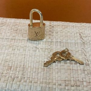 Louis Vuitton Lock & keys